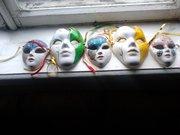 Венецианские маски большие и малые керамические.